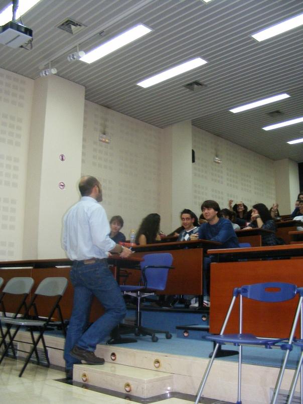 Cada viernes los alumnos acuden a las clases con el sueño del periodismo